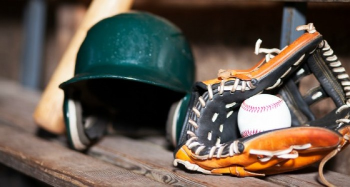 Baseball_Kit_on_old_bench
