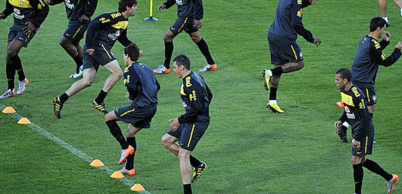 Brazil_football_team_training