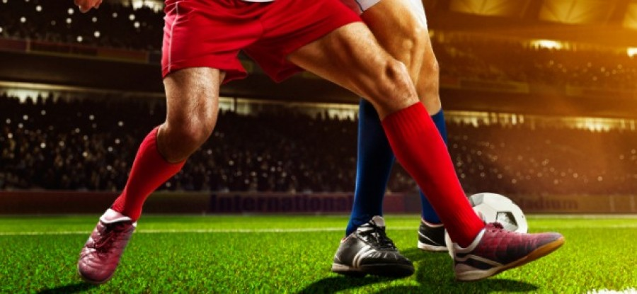 Football_Red_Challenges_Blue