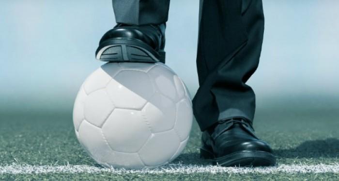 Football_on_Line_Under_Shoe