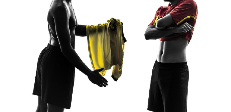 Footballers_Exchanging_Shirts
