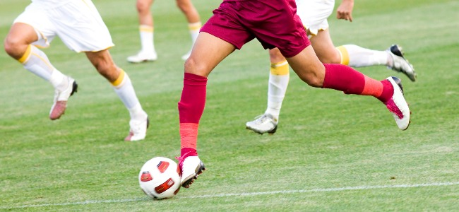 Footballers_Running_with_Ball