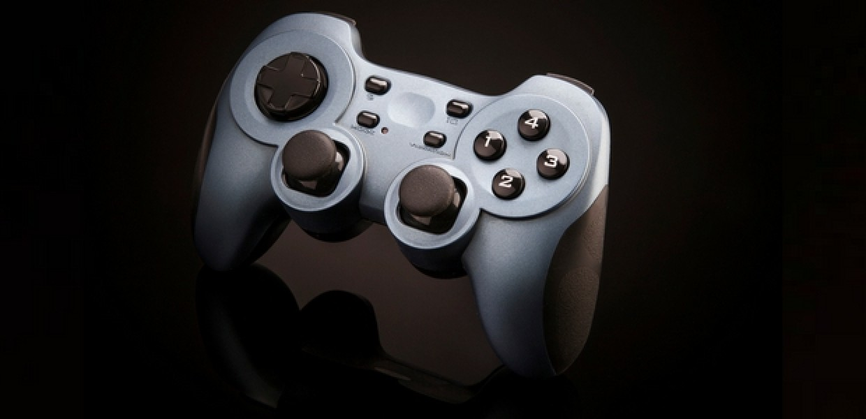 Gaming controller with reflection below