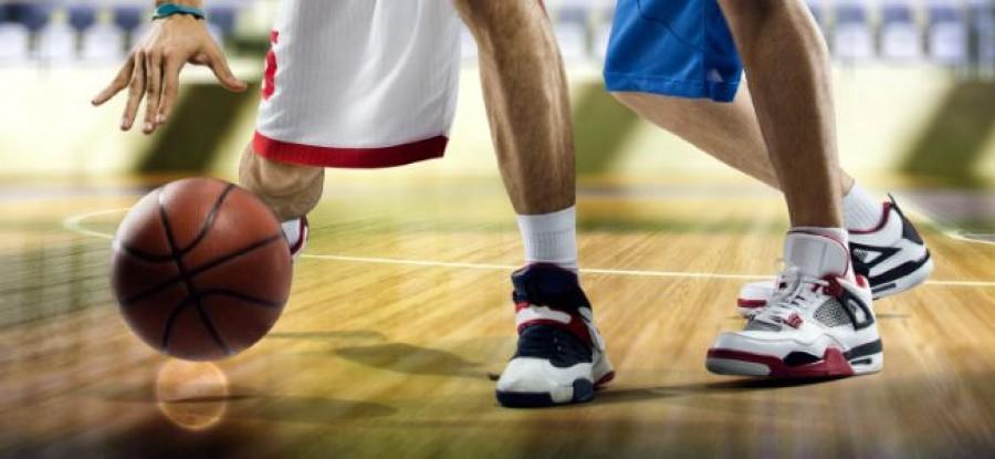 Basketball_Players_Dribbling