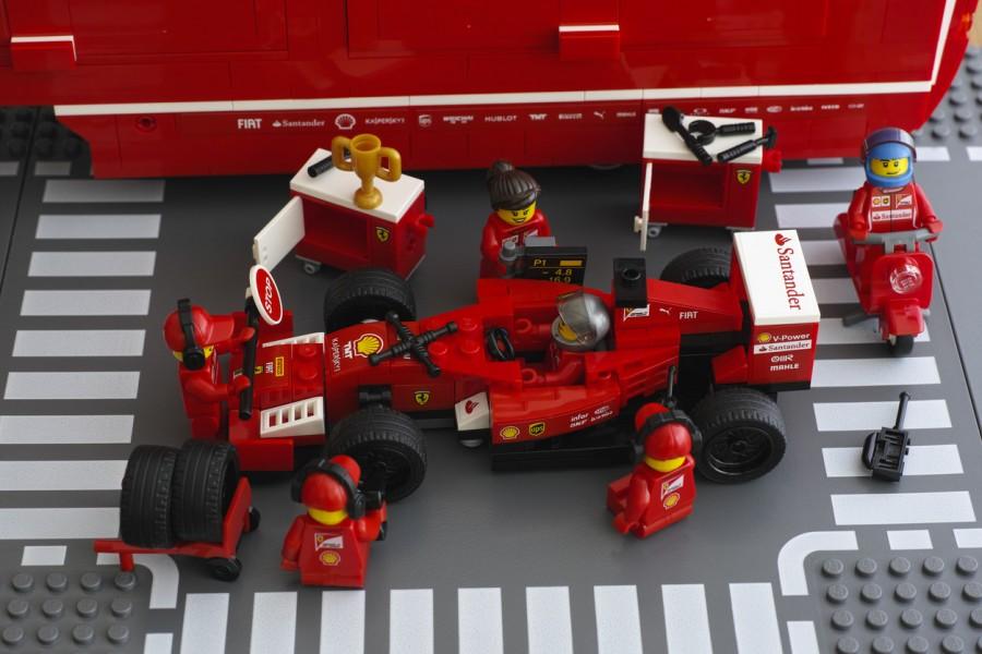 Lego Ferrari Pit Stop