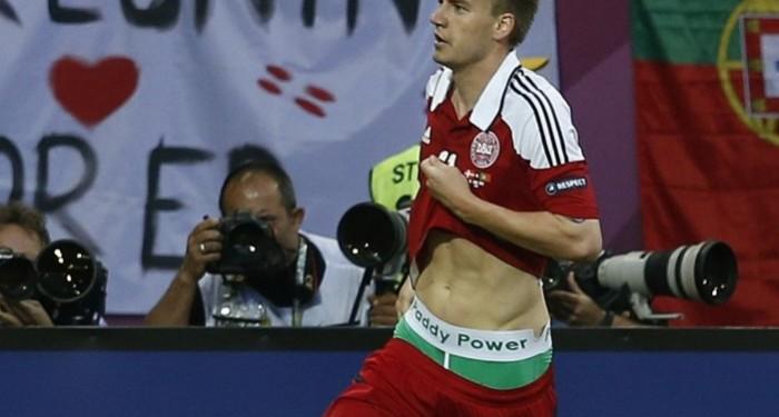 Nicklas_Bendtner_Paddy_Power_Pants