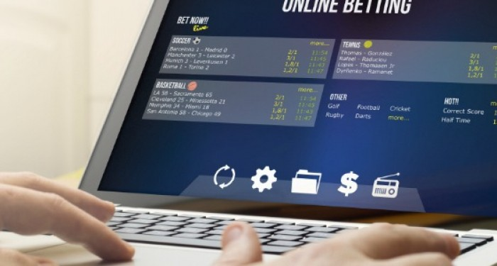 Online_Betting_Via_Laptop