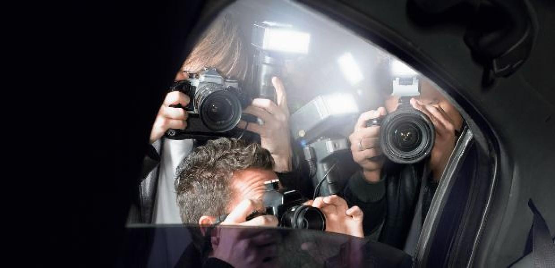 Paparazzi_Through_Car_Window