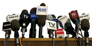 Press_Media_TV_Microphones_on_Desk