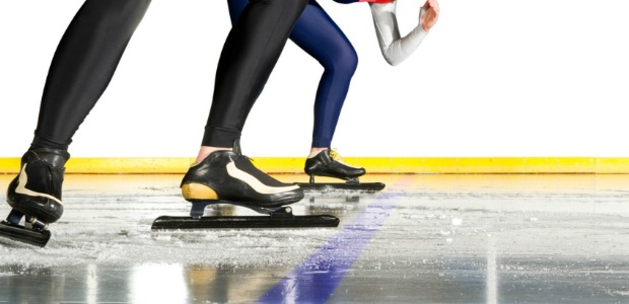 Speedskaters_at_Start