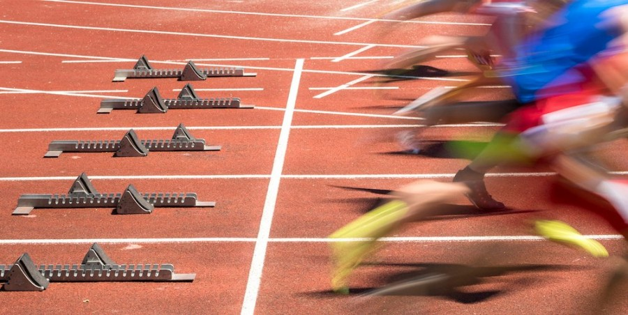 Runners on starting blocks